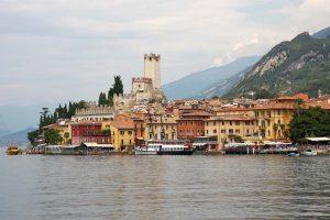 Очарованието на италианските езера! Автобусна програма с 5 нощувки+закуски и български водач: от 640 лв!