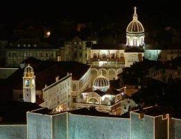 Нова година в Дубровник и Черна гора! Супер оферта от 490 лв /с транспорт, 4 нощувки+закуски и вечери, екскурзовод/!!