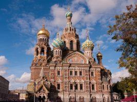 Санкт Петербург и Москва – Приказното сияние на Белите нощи през юни!